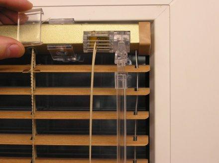 blokowanie uchwytu żaluzji bez kasety